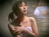 【熟女】男湯に入り男性客の大事な部分を洗ってくる[無料動画]