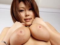 蜜井とわの超爆乳Jカップ103cm...これは凄い☆?