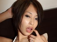大塚咲はかなり経験豊富な20代半ばの女子校生。[6]
