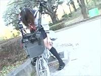 これが限界ギリギリ露出街中潮吹き アクメ自転車がイクッ!! 大石もえ 元木ひなよ [3]