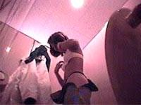 レースクイーンのトイレ盗撮!!着替えで全裸にオマンコ丸見え!![芸能/お宝]