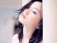 永作博美の純白ワンピから覗く激エロ胸チラ!![芸能/お宝]