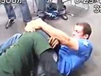 プロの格闘家同士が控え室でガチ喧嘩をおっ始める