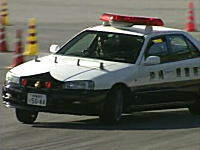 ドリキン土屋圭市が沖縄県警のパトカーでドリフトw