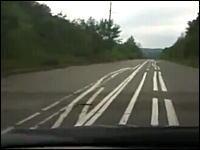 ちょwwwww適当すぎるwwwwwロシアの嫌がらせのような道路が酷い