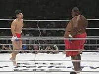 この体格差はありえねえ。格闘技で76kgの日本人対310kgのアメリカ人