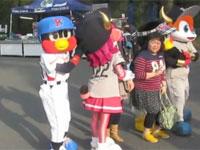 ヤクルトのマスコット「つば九郎」のセクハラがひどい。