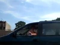 車を運転しながらセックスしてるヤツを撮ったったw