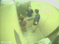 最強に危険なエレベーター事故の監視カメラの映像