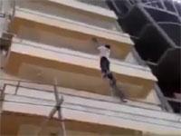 横着な建設作業員。10階建ての屋上まで行く方法がデンジャラス