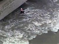 ちょwどうしてこうなったwミシガン湖に襲われてしまう人たちの映像