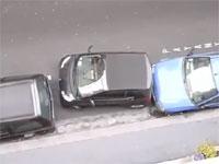 パリでは新車に乗りたくないな動画。豪快な縦列駐車の方法にぽかーん。