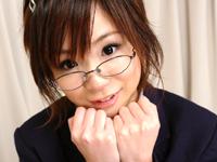 【コスプレ】ロリの中のロリ!!山口まゆちゃんの眼鏡コス♪[無料動画]